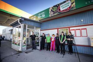 Matbutiken i Stråtjära byter ägare och går från Ica till Tempo. Bandet är klippt och personalen redo för en ny era på orten.