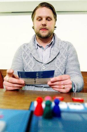 Robert Hamberg har jobbat på fritids under många år. Han vet därför vilka spel som går hem hos unga.