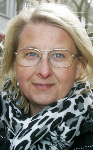 Camilla Aronsson, 45 år, Ope:   – Nej, jag gör inte det. Jag har aldrig demonstrerat. Men jag skulle säkert kunna göra det, om jag brann för frågan. Jag tror jag ska plugga på 1 maj.