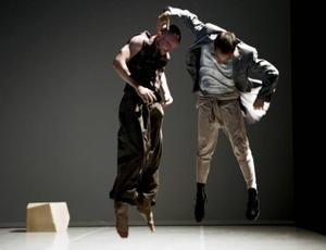 """RUMSLIGT. """"Pacing in vaudeville"""" är dans kring dansens förutsättningar."""