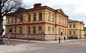 ARKIVBILD Uppsnyggning på gång. Norra skolan i Gävle ska småningom få en uppsnyggad fasad men först måste grunden förstärkas.