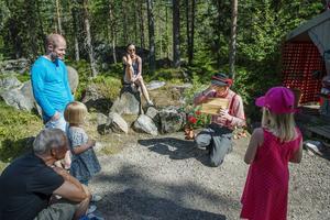 Trollkarlen Filijokus hade tappat bort presenterna till småfolkets bröllop.
