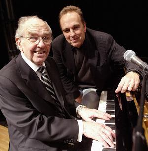 Genom sin välkände pappa Charlie Norman fick sonen Lennie starka band till Ludvika och Dalarna.