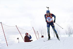 Fredrik Lindström är fixstjärnan i skidskyttelandslaget och kör alla världscuptävlingar före jul.