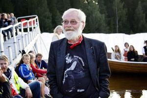 Det häftigaste med Jerka är att han ger järnet och att han alltid har glimten i ögat. Utan glimten i ögat skulle han aldrig vara så här stor, säger Rune Viklund som följt Jerry Williams konsertliv sedan 1968.