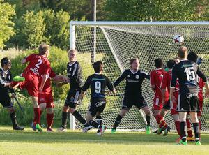 Jonas Svensson gjorde säsongsdebut för Sveg, en lyckad sådan då han nickade in segermålet efter hörna.