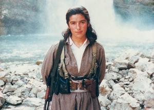 Bara 14 år gammal anslöt sig Amineh Kakabaveh till peshmergastyrkorna och deras väpnade kamp mot den iranska regminen.