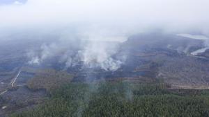 Flygbilder över skogsbrandsområdet i Västmanland på torsdagen.