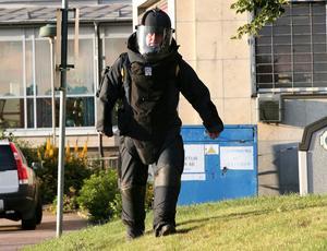 Polisens bombgrupp i aktion vid ett tidigare besök i Dalarna.