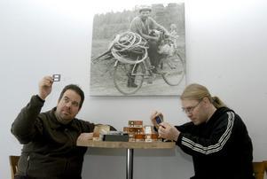 Enar Karlsson och Clarence Werdin söker mer film- och fotohistoria från Hällefors.