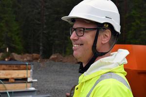 Martin Nilsson, biträdande projektledare på Trafikverket, konstaterar att det är mycket ovanligt att byggen av nya vägar går fortare än den planerade tidsplanen.