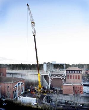 Containern har tryggt nått marken i Älvkarleby.