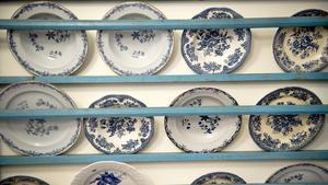 Gammalt 1700-tal, tidigt 1900-tal, retroserviser, helt nytt, billigt och dyrt. Blåttvitt porslin är vackert att blanda även om det är i olika stilar.