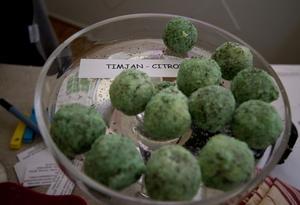 Marsianbollar? Nej, men praliner av timjan och citron tillverkade av Solskinet.