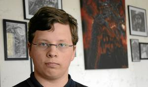 Öppnade egen konsthall. Henrik Jonasson ville ha konstvernissage. Då hyrde han en tom affärslokal av Boab. BILD: ANDERS ALMGREN