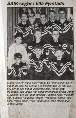 Fredde längst till höger i mittenraden när Sundsvalls SAIK vann Lilla Fyrstad i slutet på 1990-talet.
