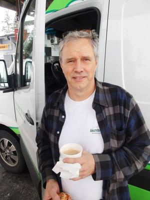 – En del vägskyltar är rent vansinniga. Det verkar som att de nya bestämmelserna är resultatet av rent skrivbordsarbete, säger Krister Söderlund.