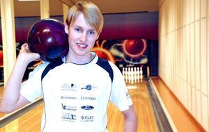 Mårten Jonsson vill gå långt inom bowlingen. Till hösten börjar han på Riksidrottsgymnasiet i Nässjö.