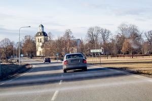 Bilfärden från Skogsvallen till Mäklarcentrum i Östervåla.