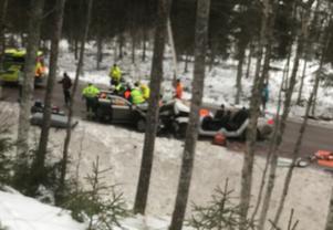 Två personbilar frontalkrockade mellan Yttermalung och Sälen den 29 januari. Sex personer fick föras till sjukhus varav en person med allvarliga skador.