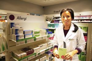 Jasmine Olbrant, chef för Apoteket Kärnan, berättar att försäljning av den receptfria allergimedicinen startade rekordtidigt i år