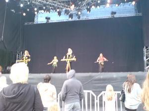 16.15 orientalisk dans på stora scenen.