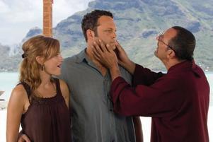 """inte så kul. Malin Åkerman, Vince Vaughn och Jean Reno i """"Trubbel i paradiset""""."""