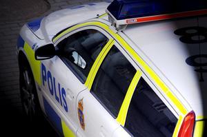 ARKIV.080323. Polisbil i strålkastarljus.Foto Hasse Holmberg / SCANPIX / Kod 96