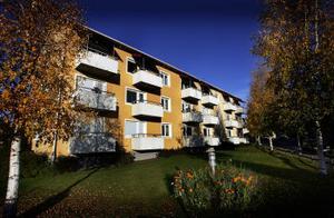 Stora årskullar som närmar sig pensionen vill ha hissar i flervåningshus. Sundsvalls kommun utreder nu detta och andra bostadsbehov i framtiden.