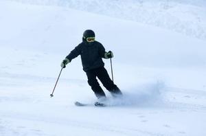 Förste skidåkare ut i backen var elvaårige Pelle Aneklev.
