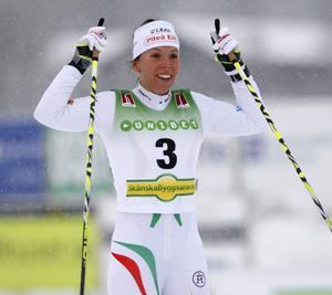 Charlotte Kalla var lika bra på söndagen som i fredags och lördags. Tre starter har nu gett lika många segrar och hon är mogen för världscupen i Kuusamo.