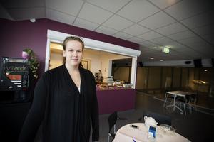 Sedan ett par dagar driver Sara Larsson kafé i nya curlinghallen på Högslätten.