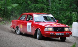 """Jonas Edlund höll bra tempo i Kåtmyraslaget. Vann C-klassen i Volvo Original och var nära """"ta"""" även självaste Peter Karlsson. Foto: Kurt Eliasson"""