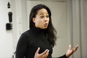 Ombedd att betygsätta sitt eget och regeringens kulturpolitiska år på en skala ett till tio väljer Alice Bah Kuhnke (MP) sju.