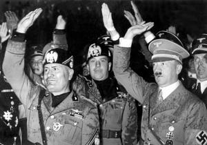 Under 30-talets Tyskland härjade nationalismen. Friheter som tagits och segrar som vunnits började ifrågasättas och försvann. Det var vi och dom. Grupper ställdes mot varandra. Och ingen tyckte att det var så farligt i början, skriver debattförfattarna.