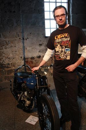 Håkan Johansson arrangör för MoonEyes Bike Show.