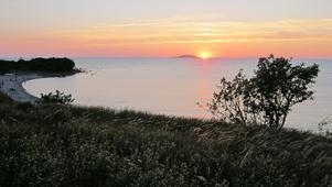 Solnedgång bakom Blå Jungfrun i slutet av juli 2012.