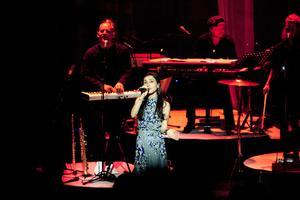 Mötte jubel. Laleh lämnade inget hjärta oberört när hon tog publiken i det fullsatta Konserthuset med på ett musikaliskt äventyr.