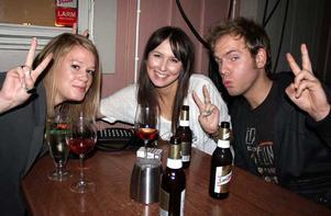 Bill & Bob. Anna Torssén, Kim Zettervall och Johnny Bravo