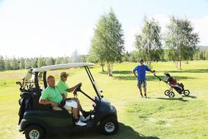 Leif Wäppling, Stefan Bengtsson och John Carlsson är inbitna golfentusiaster.