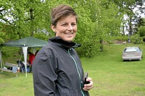 Nytt intresse. Växter är ett nytt intresse för Hanna Bäckgren, som under auktionen bild-googlade olika växter för att se hur de såg ut.