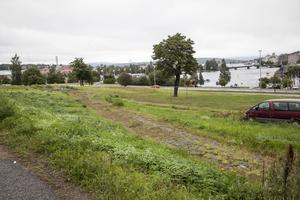 För drygt 20 år sedan brann Gådeskolan ner till grunden. På den tomma ytan där skolan stod vill Härnösandshus bygga bostäder.