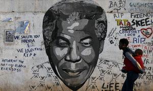 Nelson Mandela satt i fängelse för sin kamp för svartas rättigheter.