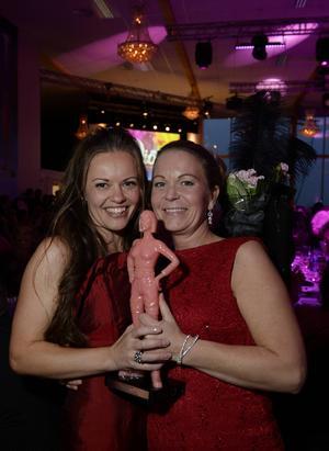 Mari R Nordstrand och Maria Skalin är med sin skapelse Unika Butiker Årets Rookie på den lokala affärshimlen.