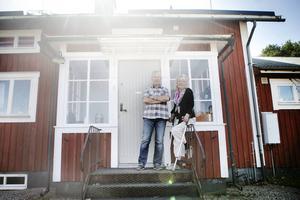 Nils och Ann-Britt Rundkvist står bakom en ansökan om ett språkkafé i Sandarne och det är ett initiativ som nu fått sin ansökan beviljad av Söderhamns kommun.