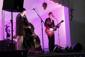 John Lindberg körde Elvis låtar med kompisarna Chris Bergström och Olle Tjern.