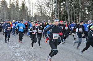 Deltagarrekord. 138 deltagare genomförde loppet och det är nytt rekord, här från starten.