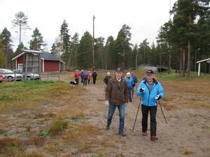 Varje torsdag samlas ett 20-tal PRO-are vid skidstadion i Ljusdal för att motionera.