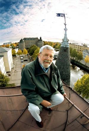 Eric Franke utvandrade 1948 till USA. Här ser du dels Eric själv, när han besökte sin gamla hemstad, och dels vyer från Örebro som han nämner in sitt brev till Stadsliv. Staden har förändrats mycket med åren  påpekar Eric, och man kan inte annat än hålla med honom.