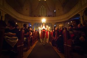 Årets luciatåg avslutades på söndagskvällen med ett stämningsfullt framträdande i Norrtullkyrkan.
